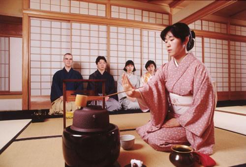 http://world.lib.ru/img/a/arina_a_i/zh_japaneseteaceremony/zh_japaneseteaceremony-1.jpg