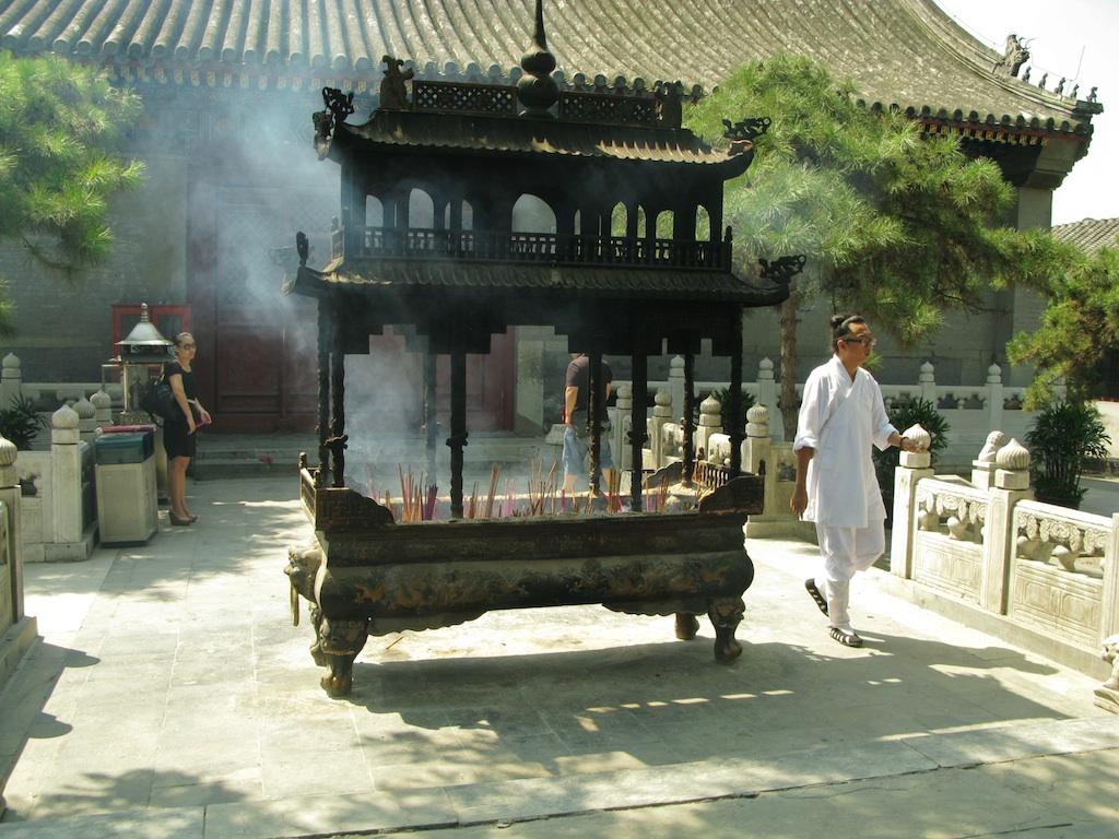 Картинки по запросу Даосский храм «БайЮньГуань»
