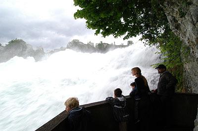 Рейнский водопад []