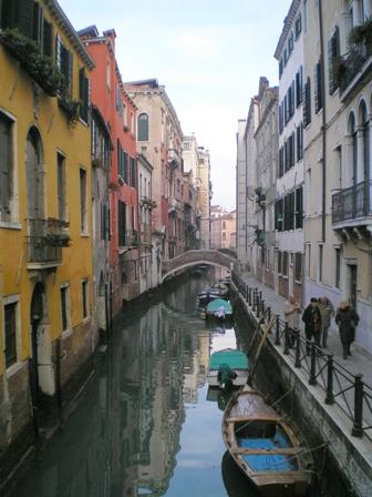 Венеция []