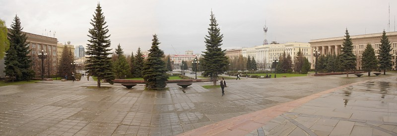 Площадь Революции []