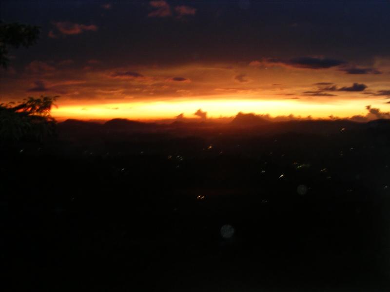 Закат в Канди []