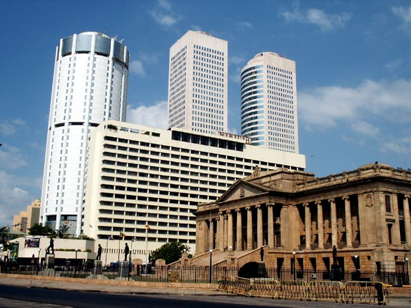 Старое здание парламента []