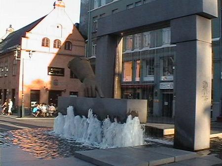 Интересная монументальная скульптура Scandinavian031_resize