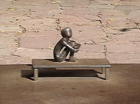 Интересная монументальная скульптура Scandinavian057_resize