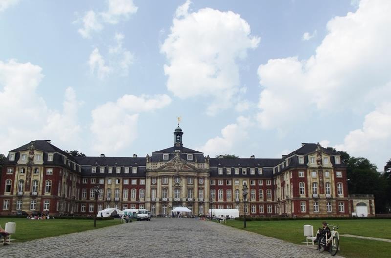 Льежский университет яасср