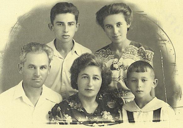 Папа с мамой трахались прибежал сыночек с дочкой