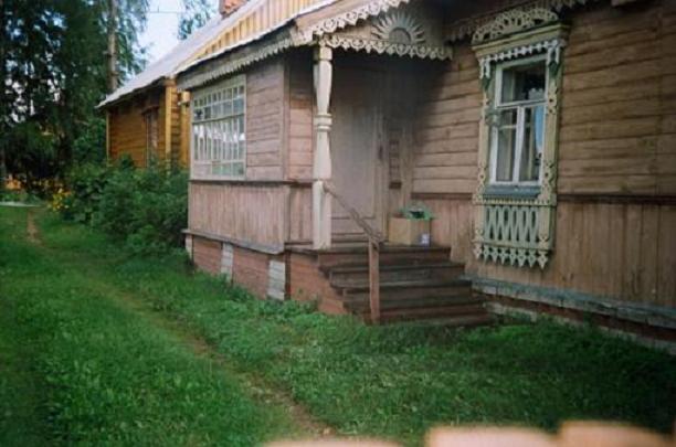 Крыльцо в деревенском доме своими руками фото